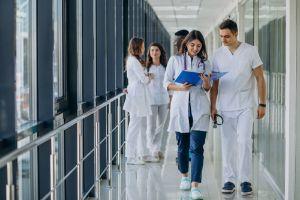 Tıp Uzmanlık Sınavında  Başarının Anahtarı Kimde?